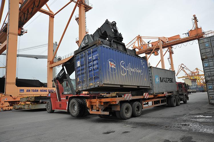 Container phải cân trước khi lên tàu biển